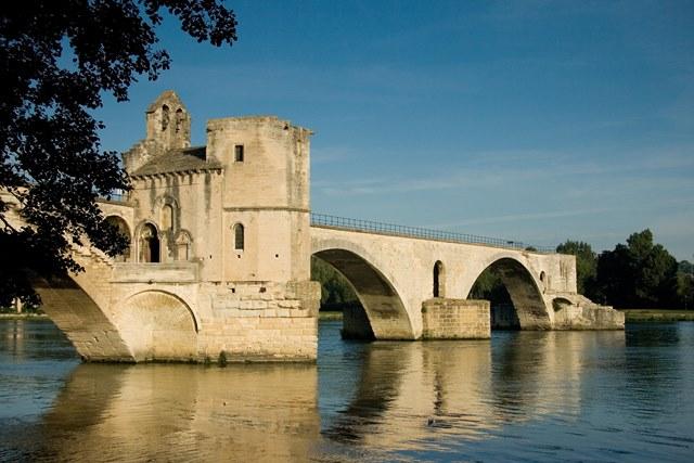 Le_Pont_d'Avignon - Rhone wine region France