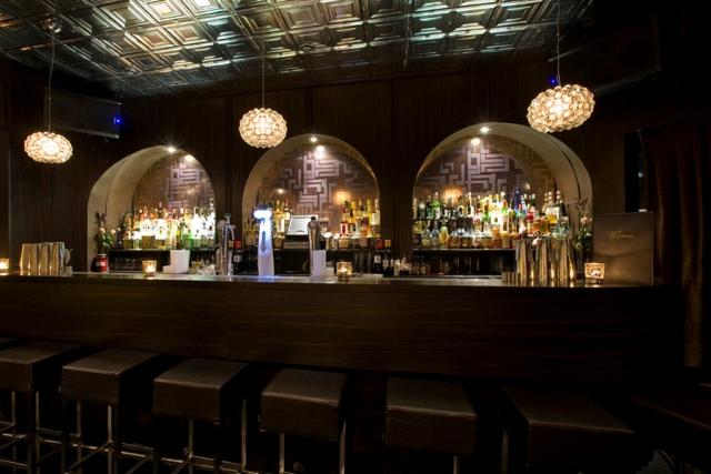 Door 74 cocktail bar Amsterdam