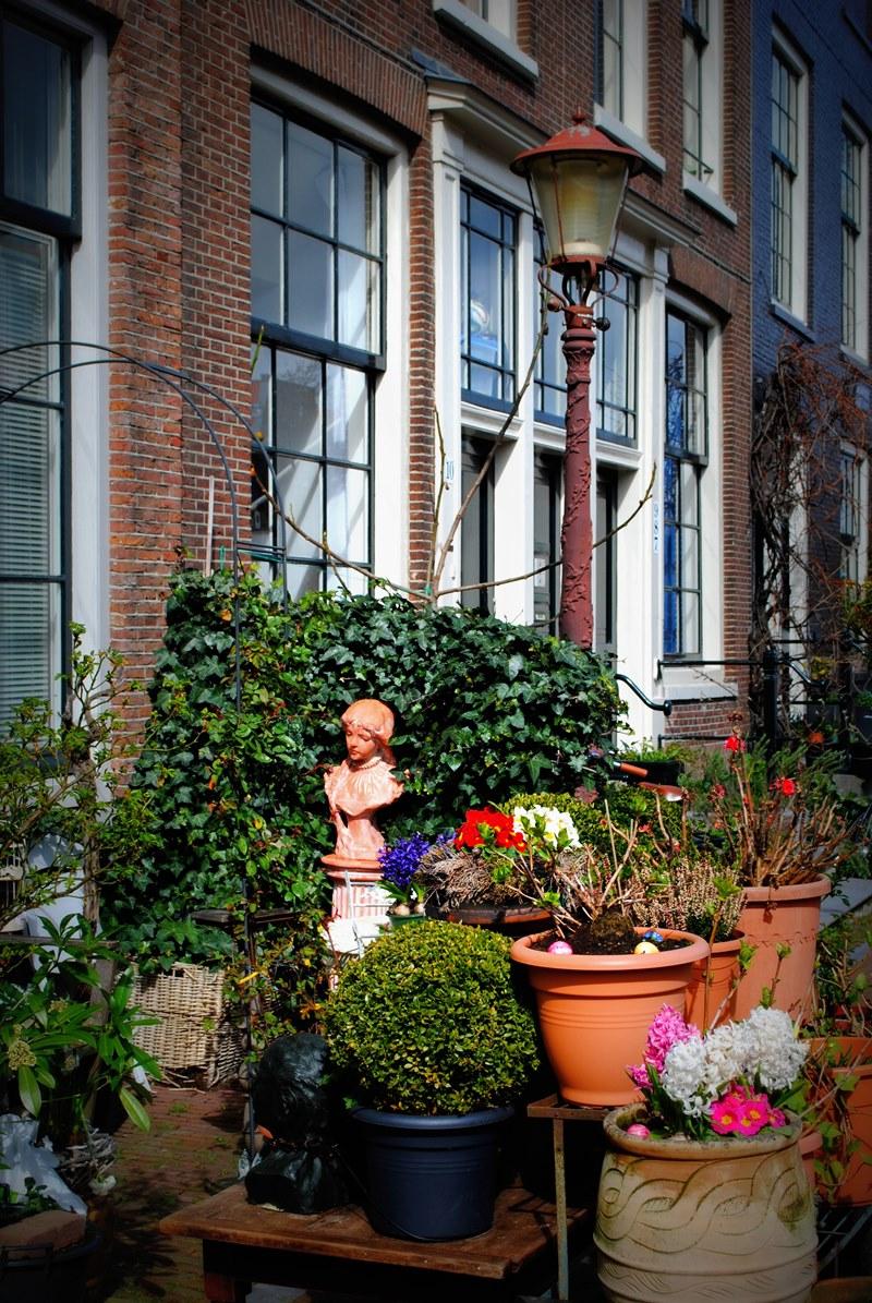 Doorstep gardens