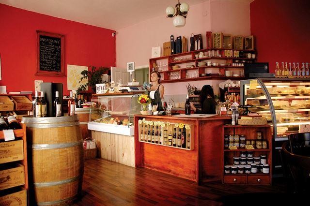 Le Caveau Vinohrady Prague