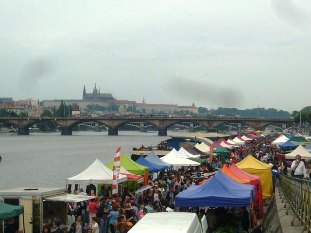 Naplavka market prague
