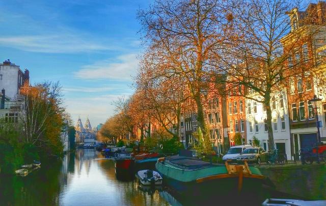 Rijksmuseum - canals - Amsterdam