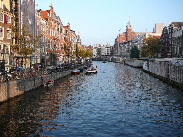 Singel-canal-Amsterdam