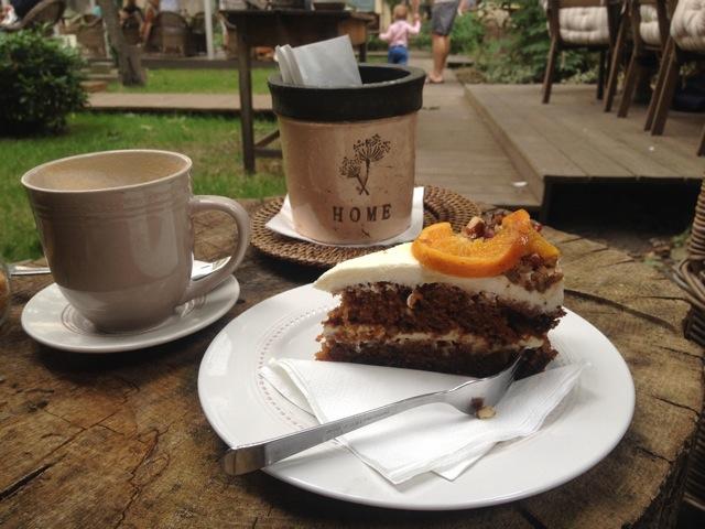 Styl + Interier Carrot Cake