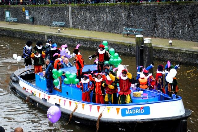 Zwarte Piets boat Amsterdam