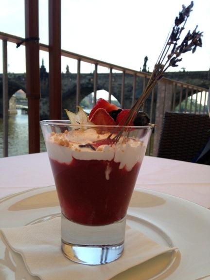 kampa_park_restaurant_with_views_prague_eatingprague