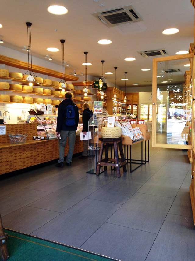 prague cheese shop - Formaggeria Gran Moravia
