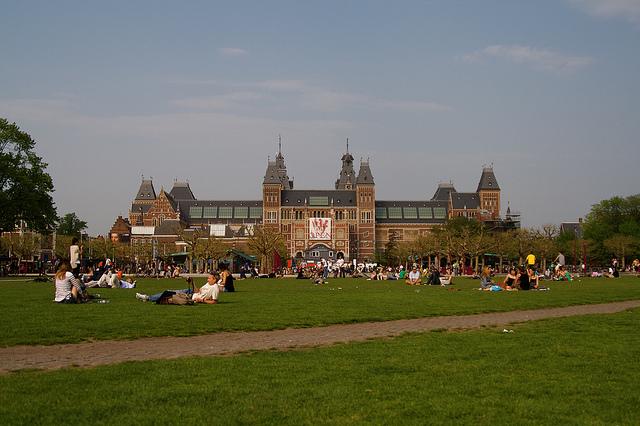 summer in amsterdam museumplein