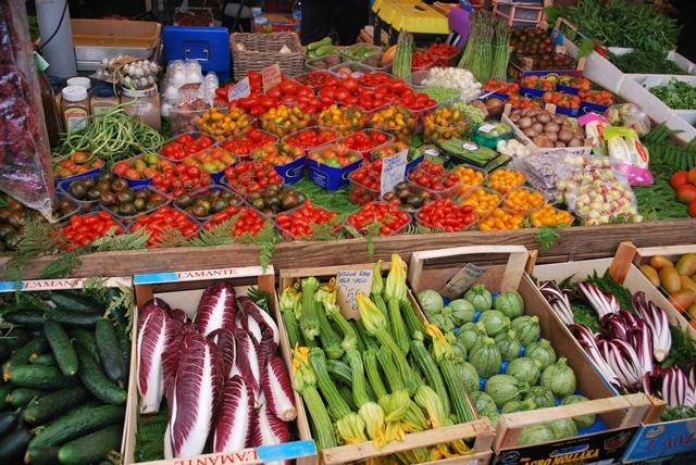 Campo_de_Fiori_Rome_market