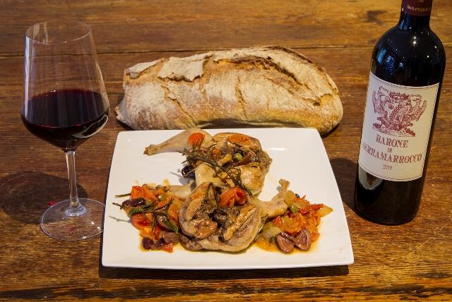 Quagliette alla cacciatora and wine