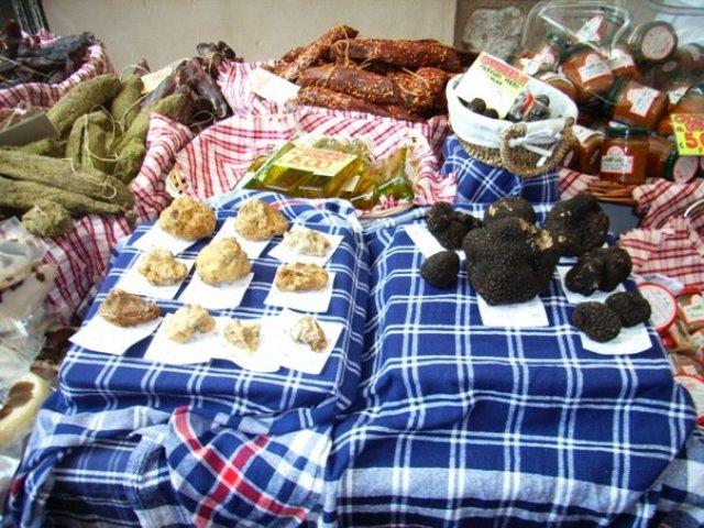 alba truffle fair (4)