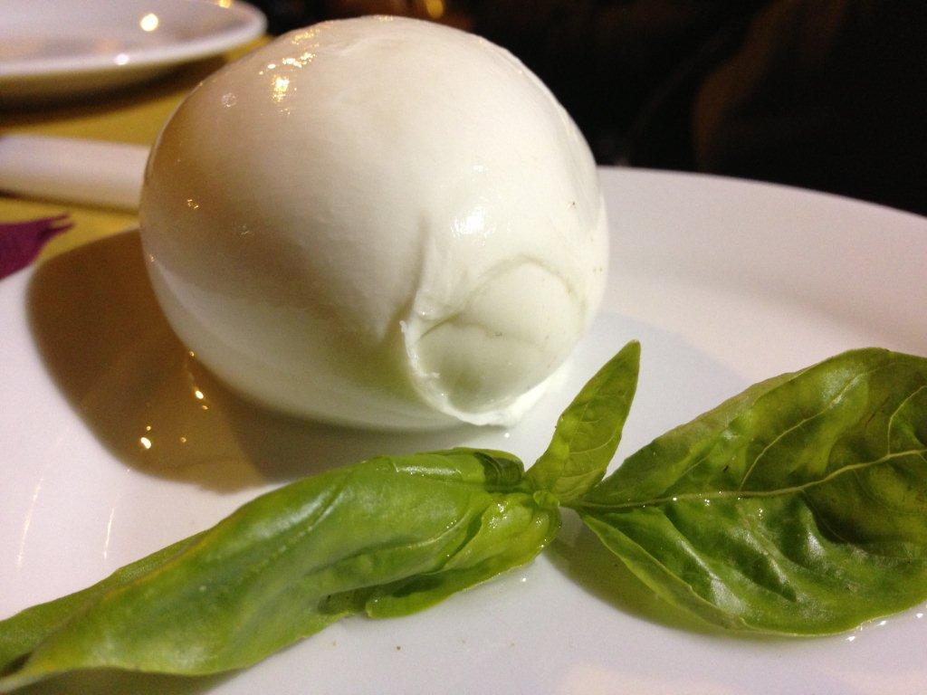 Buffalo Mozzarella Mozzarella Di Bufala Italian Food Facts Buffalo Mozzarella Mozzarella Di Bufala Italian Food Facts