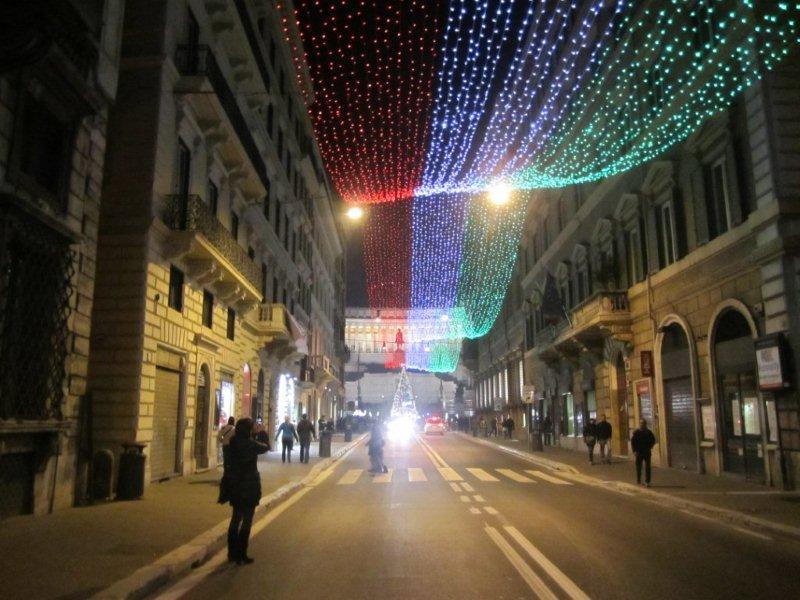 Navidad-en-Roma-luces-ornamentales