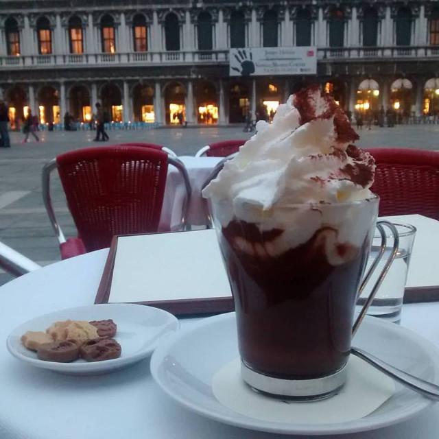 cioccolata-caffe-quadri-sanmarco-cookinvenice