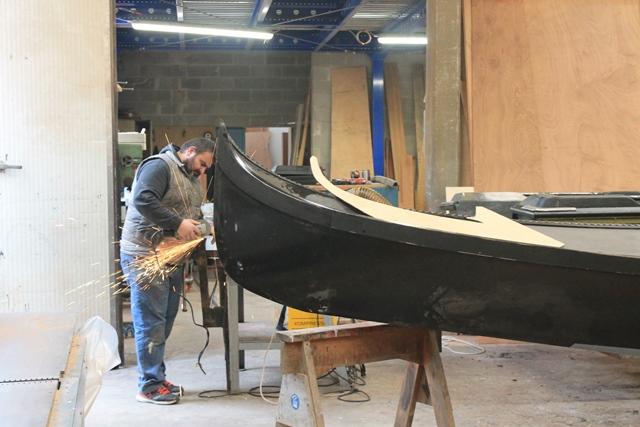 crea man making a gondola