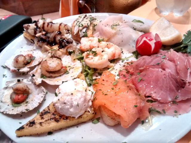 16 Best Restaurants and Cafés in Venice