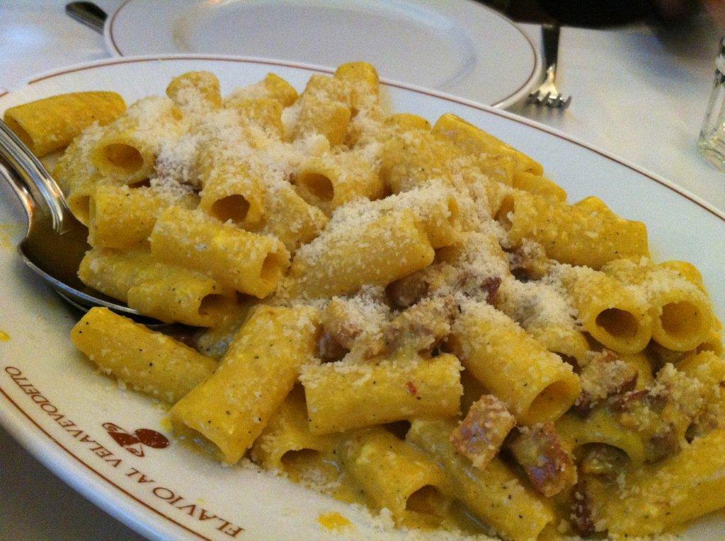 roman-classics-food-carbonara