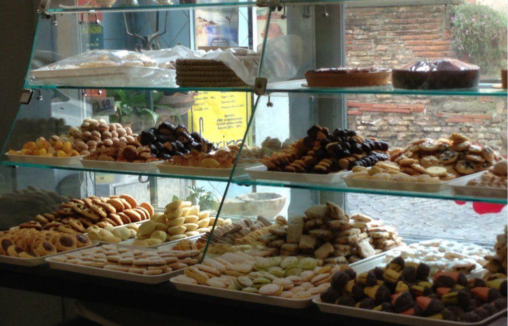 biscotti & cakes at Biscottificcio Innocenti.