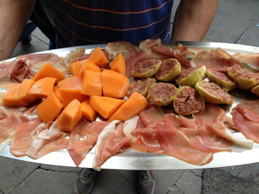 trastevere-food-melon-sancosimato-italy-antipasto