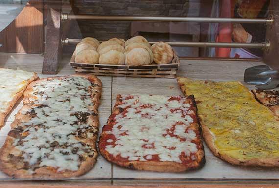 Massimo Panificio (Bread stall) in Rome